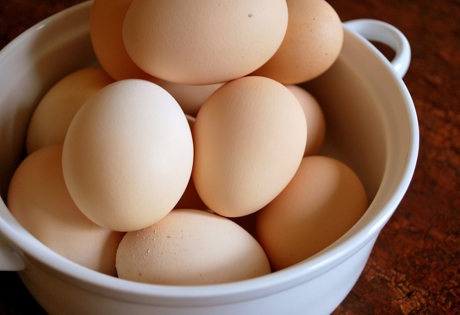 Foods-for-Glowing-Skin-&-Healthy-Hair-1